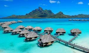 Huizen op het water in Frans Polynesië