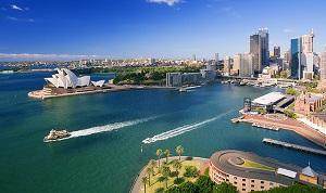 De baai van Sydney met de Opera en haven