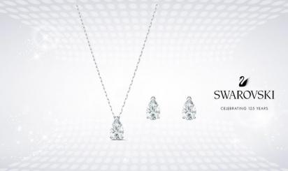 Zilveren ketting en oorbellen met Swarovski-diamanten