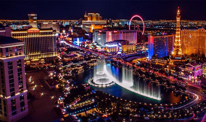Vue aérienne de Las Vegas avec fontaines du Bellagio