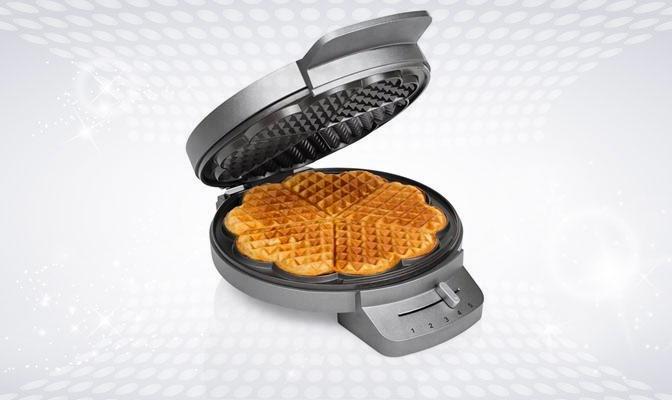 Grey heart-shaped waffle iron with 5 waffles